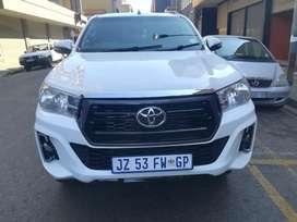 TOYOTA HILUX GD6 2.4 MANUAL FOR SELE AT VERY LOW PRICE