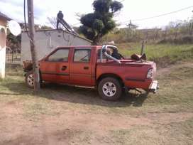 Isuzu and gwm complete bakkie 4 stripping