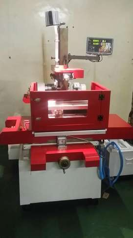 Wire cutter EDM