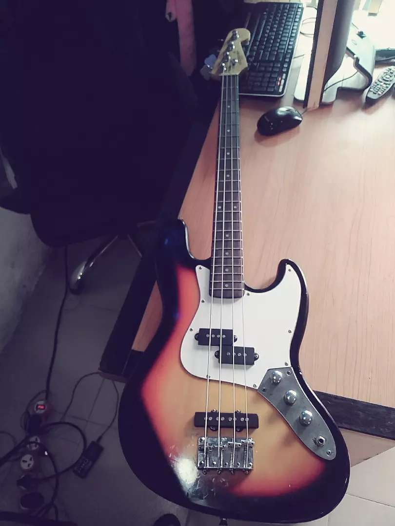 Standard Japan 4 strings bass guitar 0