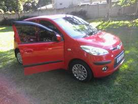 2010 Hyundai i 10. AUTOMATIC.   in a very good condition.  very low km