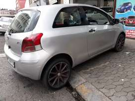 Toyota Yaris T3 spirit R 42.000 Negotiable