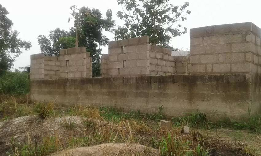 Uncompleted house for sale 0