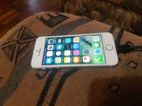 Image of Apple iphone 5s 16gb white and silwer for sale