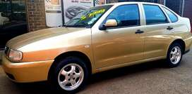 VW polo Classic 1.8i Lux 2001 Model