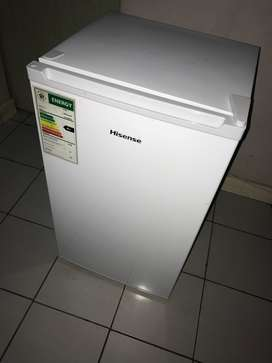 Selling a 4 months old Hisense  bar fridge