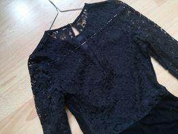 Zara sukienka mala czarna koronka efektowne plecy