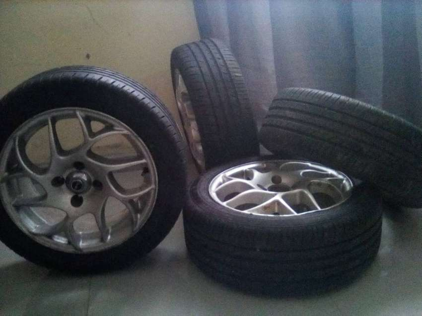 Car rims and tyres 0
