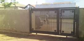 Home 3 bedrooms main with ensuite protea glen ext 11