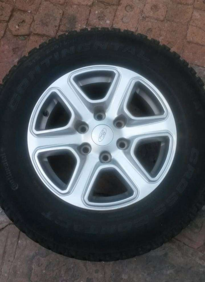 Ford Ranger rims with tyres 0