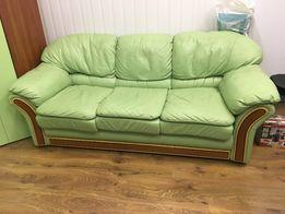 Комплект кожаный диван и шкаф