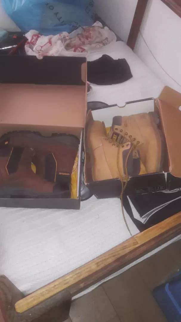 Brand new oil rig cat boot size 8 0