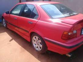 Im selling BMW 318is  dolphin