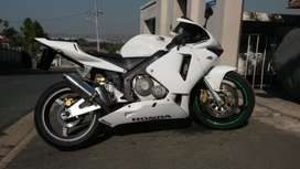 2003 to 2005 honda cbr600rr complete fairing kit for sale.