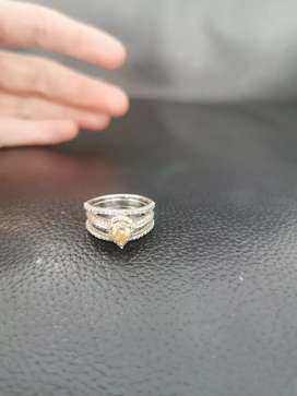 Diamond ring to sell