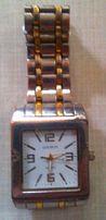 Мужские наручные часы GOLDLIS(кварц), б/у,крупные 35*45мм.