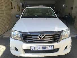 TOYOTA HILUX 2.5 LONG BEZ FOR SALE AT VERY GOOD PRICE MANUAL