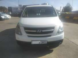 HYUNDAI H1 2.4MANUAL PETROL WITH SERVICE BOOK AND SPARE YS