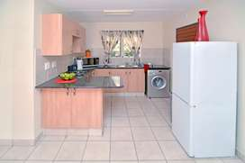Looking for someone to share a flat with in Del Judor
