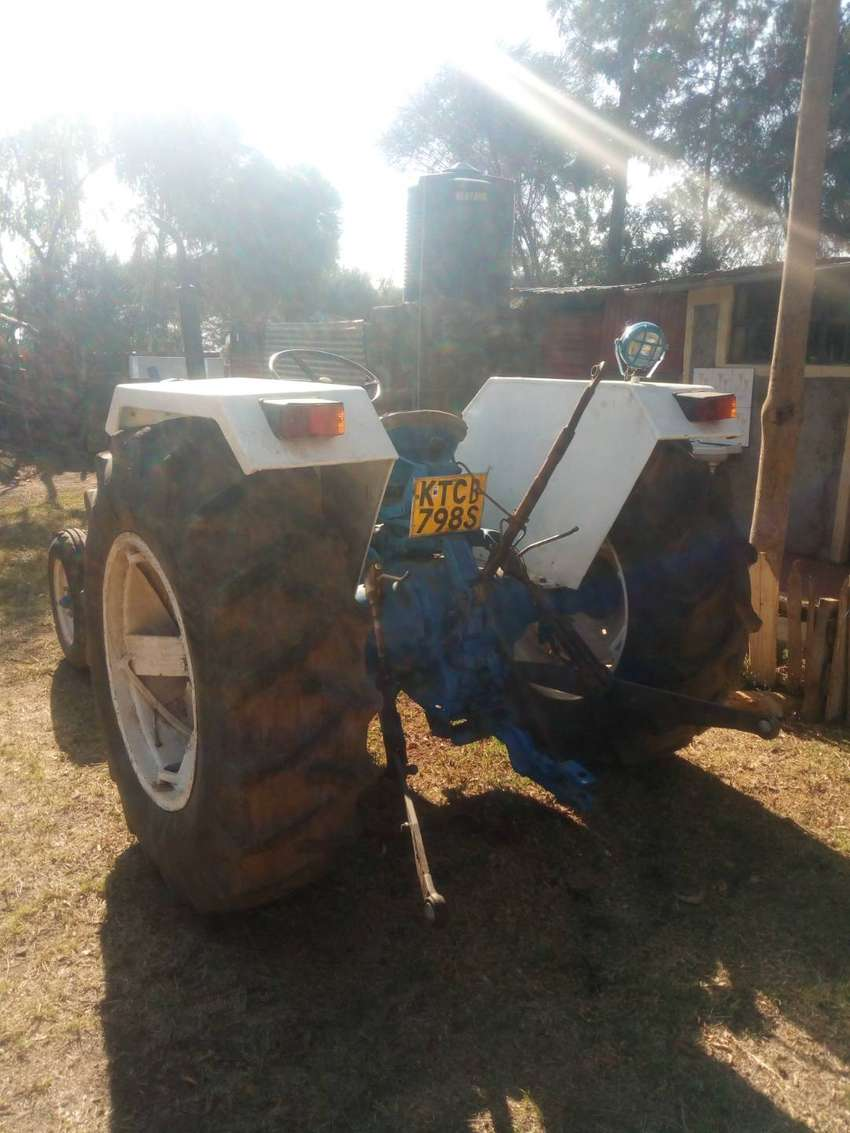 Ford 4000 tractor 0