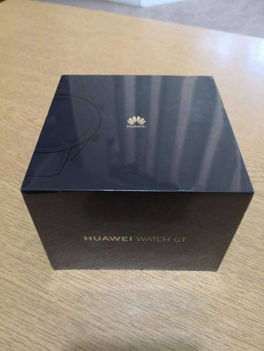 Huawei GT Active Watch + Wireless Charger combo 0
