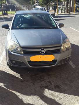 Opel astra  H 1.8 sport with orginal mag and tow bar.
