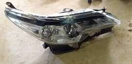 TOYOTA FORTUNER GD6 RIGHT SIDE HEADLIGHT AVAILABLE