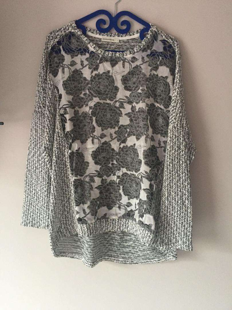 New Woolworths top with sheer insert. Size: L