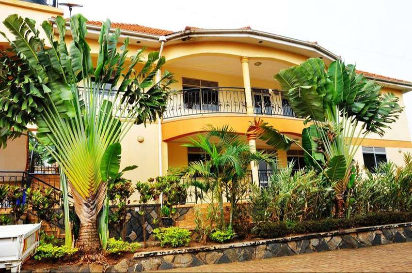 Posh fully furnished apartment for rent in Ntinda at 1000$ per month 0
