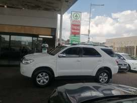 2009 Toyota Fortuner 3.0 engine capacity D4D 4x2 SUV.
