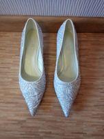 Туфли свадебные.