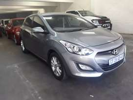 Hyundai  i30 1.6 R 105 000 negotiable