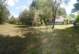 Продам земельну ділянку з двума будівлями с. Бузовиця