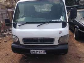 2003 Kia bakky, 2.7 engine capacity, diesel, radio, 2 doors,
