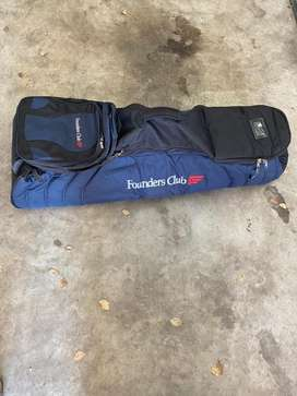 Founders club wheelie golf bag