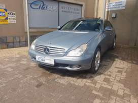 CHEAP and Reliable Benz Mercedes CLS500 in Good Condition
