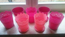 Różowe osłonki na doniczki