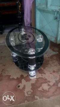 Round coffee table 0