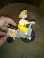 Игрушка макдональдс, 1999 год. Дед на велосипеде. Раритет