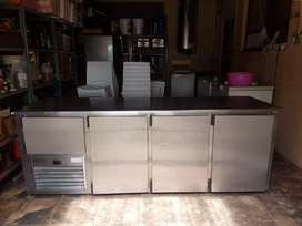 Undercounter bar fridge