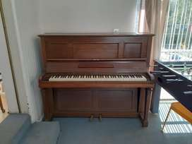 Piano George & Sons