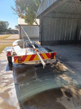 Flipper 404  sail boat with licensed trailer