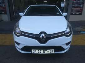 RENAULT CLIO FOR AT VERY LOW PRICE