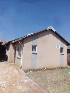 House available for rental at protea glenx20