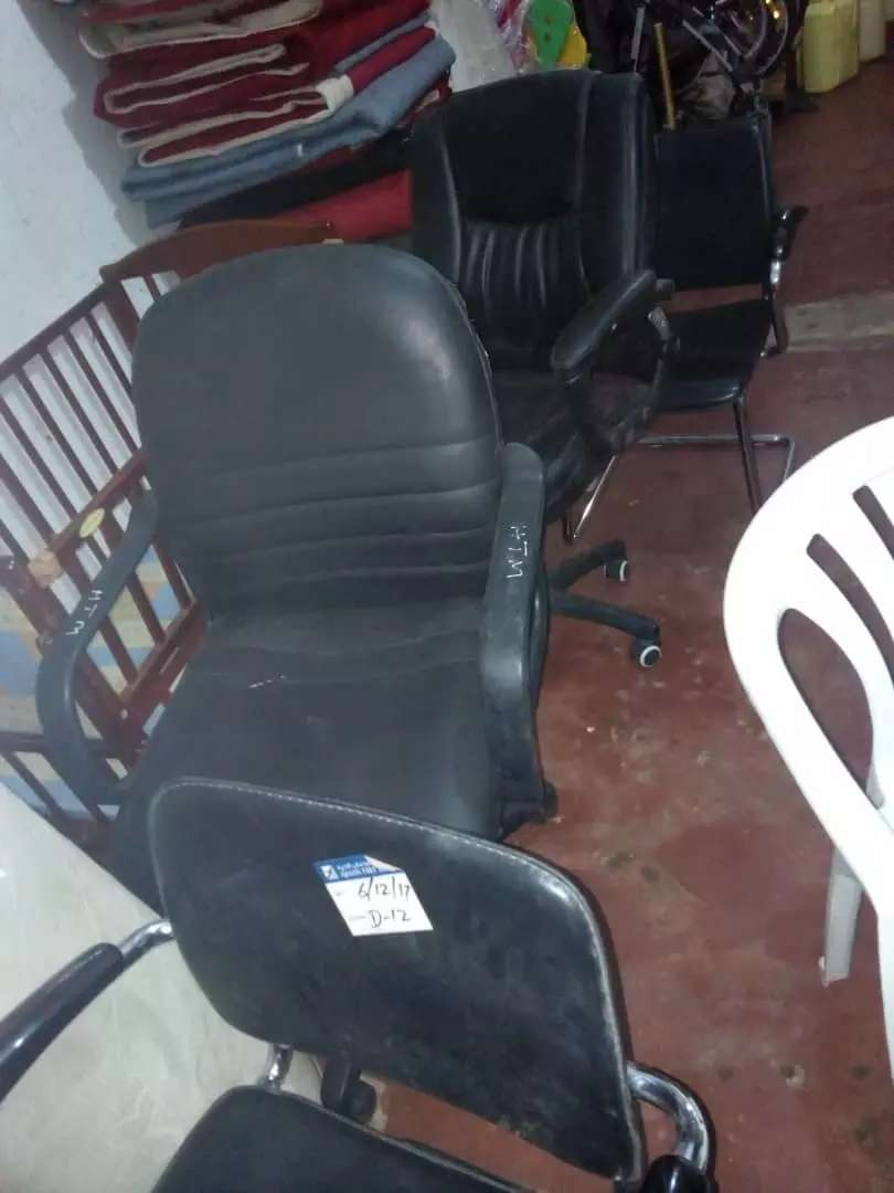 Office chairs 0
