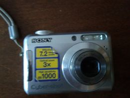Цифровой фотоаппарат Сони неисправный на детали