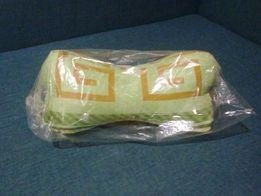 оригинальная подушка-кость