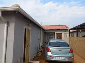 Room to rent at mahube ext 01 amount 2000 including electricity