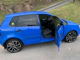 1.4 Polo with mags, new tires, sound system, central lock, anti-hijack