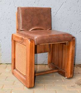 Small leather chair with Riempies